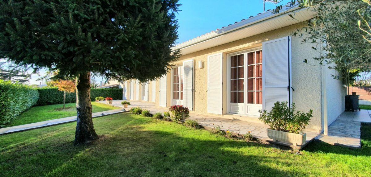 Maison De Plain Pied Non Mitoyenne 5 Chambres Villenave D Ornon Piscine Et Garage Aux Portes De Bordeaux